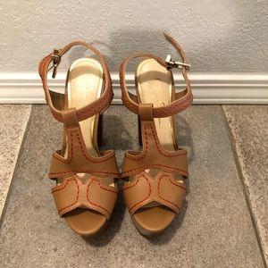 Jessica Simpson heels 💕